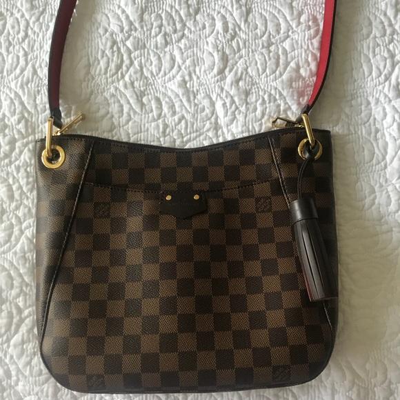 d783825af06a Louis Vuitton Handbags - Louis Vuitton South Bank Besace handbag
